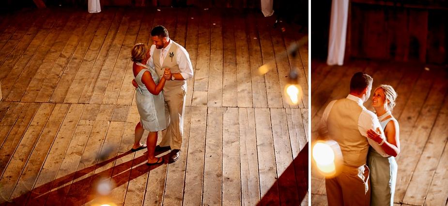 Taylor+Lauryn-Barn-Wedding-Milwaukee-Wedding-Photographer_0086.jpg