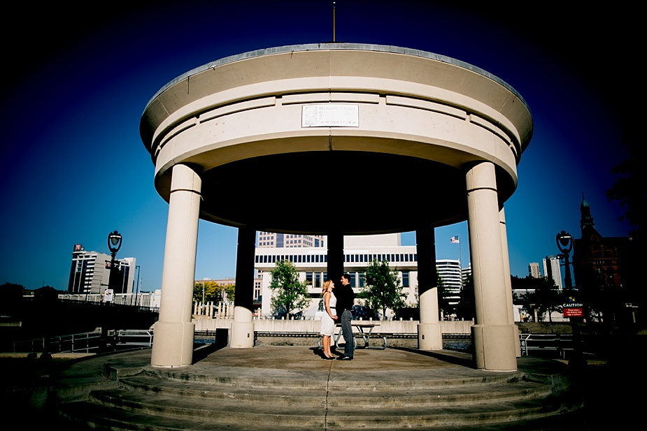 pere-market-park-milwaukee-wedding-photographer