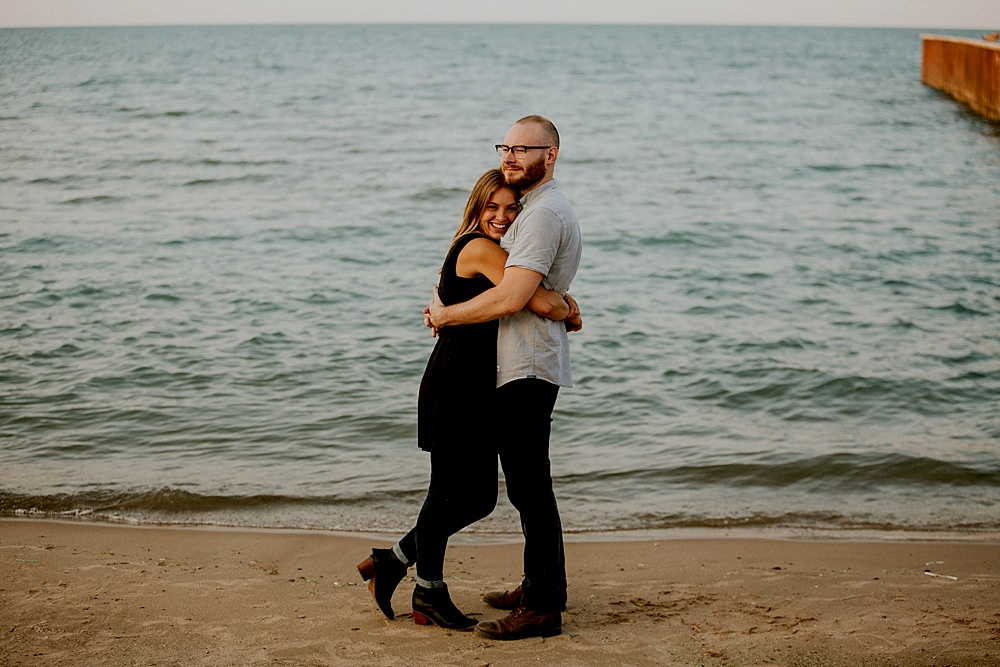 Evanston-Lighthouse-Beach-Engagement-Session_Milwaukee-Photographer_0027.jpg