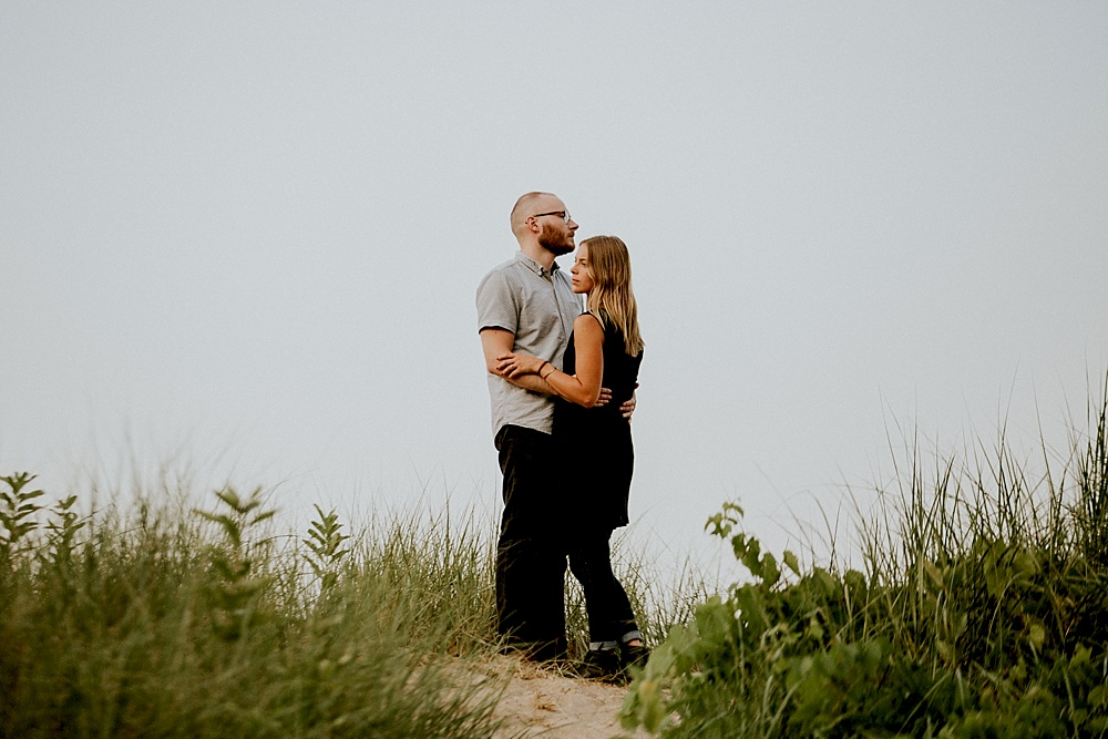 Evanston-Lighthouse-Beach-Engagement-Session_Milwaukee-Photographer_0029.jpg