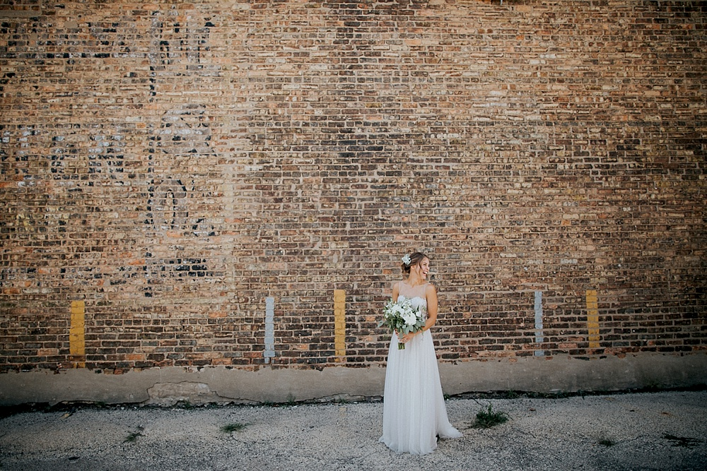 Kevin-Emily_Haight-Elgin-Wedding_Milwaukee-Photographer_0015.jpg