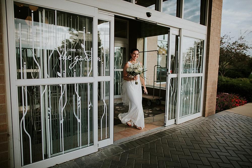 Mike-Stephanie_chicago_wedding_liller-photo-00014.jpg