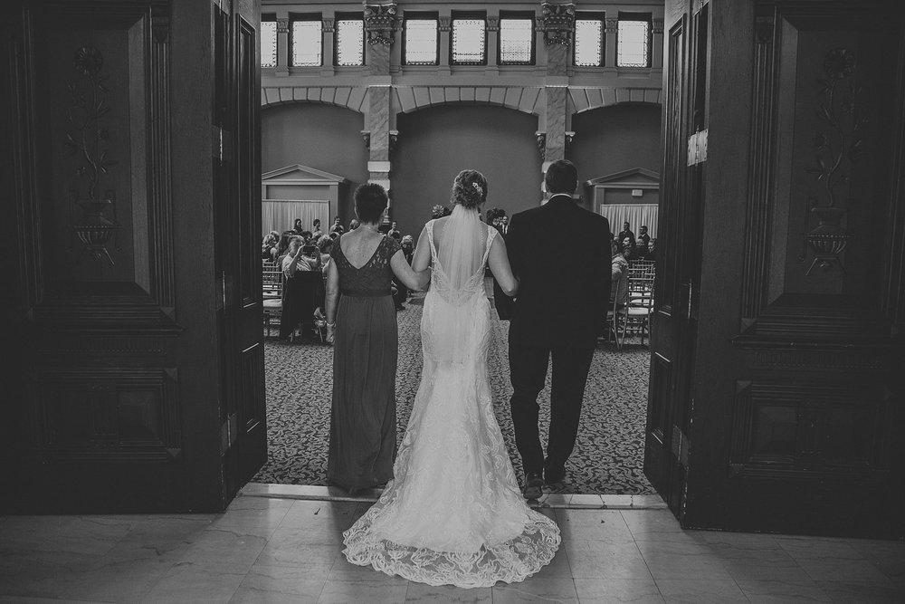 Vince-Caitlin_Milwaukee-South-Second-wedding_liller-photo_0019.jpg