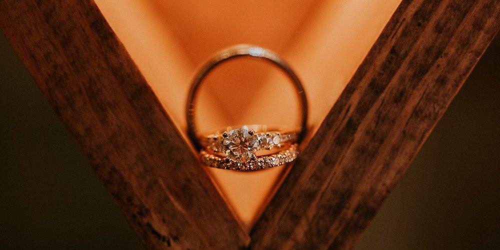 Matt-Lauren_St-Marys_Hilton-City-Center-Milwaukee-Wedding_liller-photo_0100.jpg