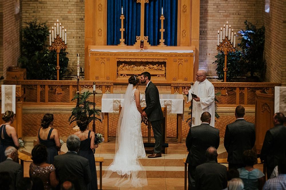 Kyle-Taylor-Watertown-Wisconsin-wedding_liller-photo_Milwaukee-wedding-photographer_0022.jpg