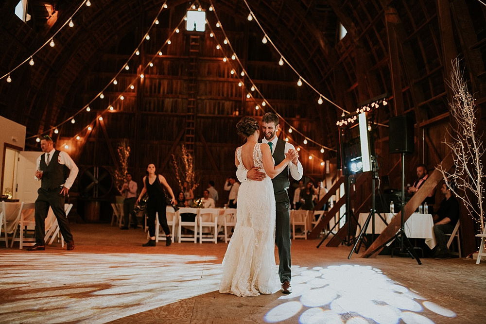 Kyle-Taylor-Watertown-Wisconsin-wedding_liller-photo_Milwaukee-wedding-photographer_0083.jpg