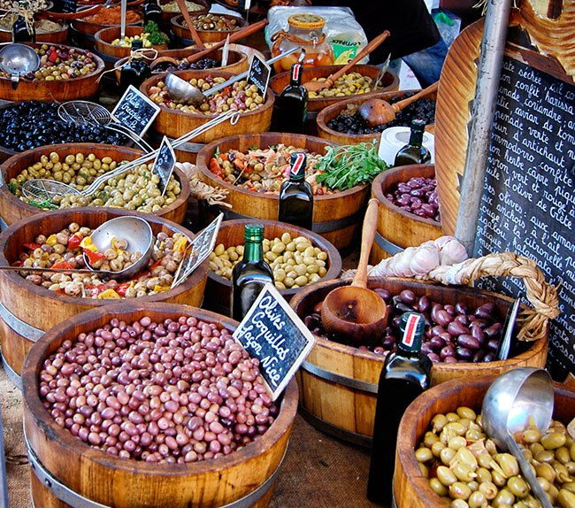 Beaune-market-olives_Snapseed.jpg