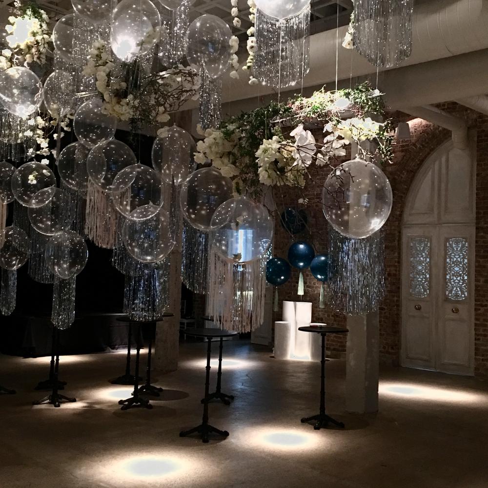 Balloon chandelier collaboration with Grandiflora