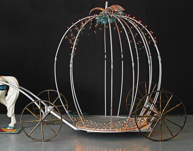 Did you know we have a #cinderellacarriage available for rent here at #eclecticprops?