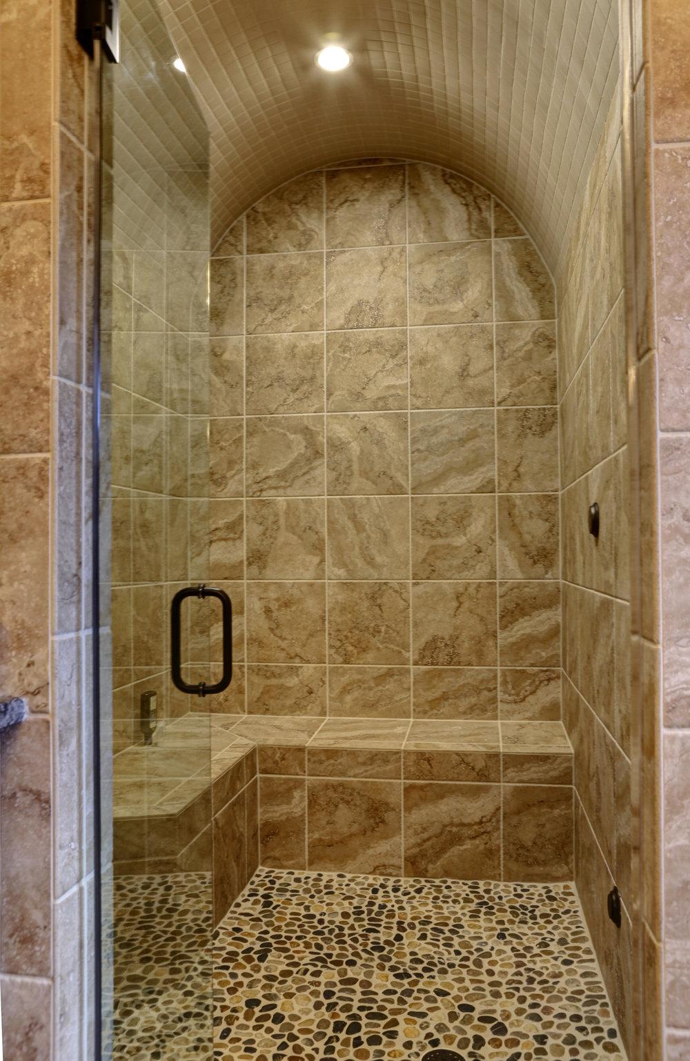 MBR bath - 3.jpg