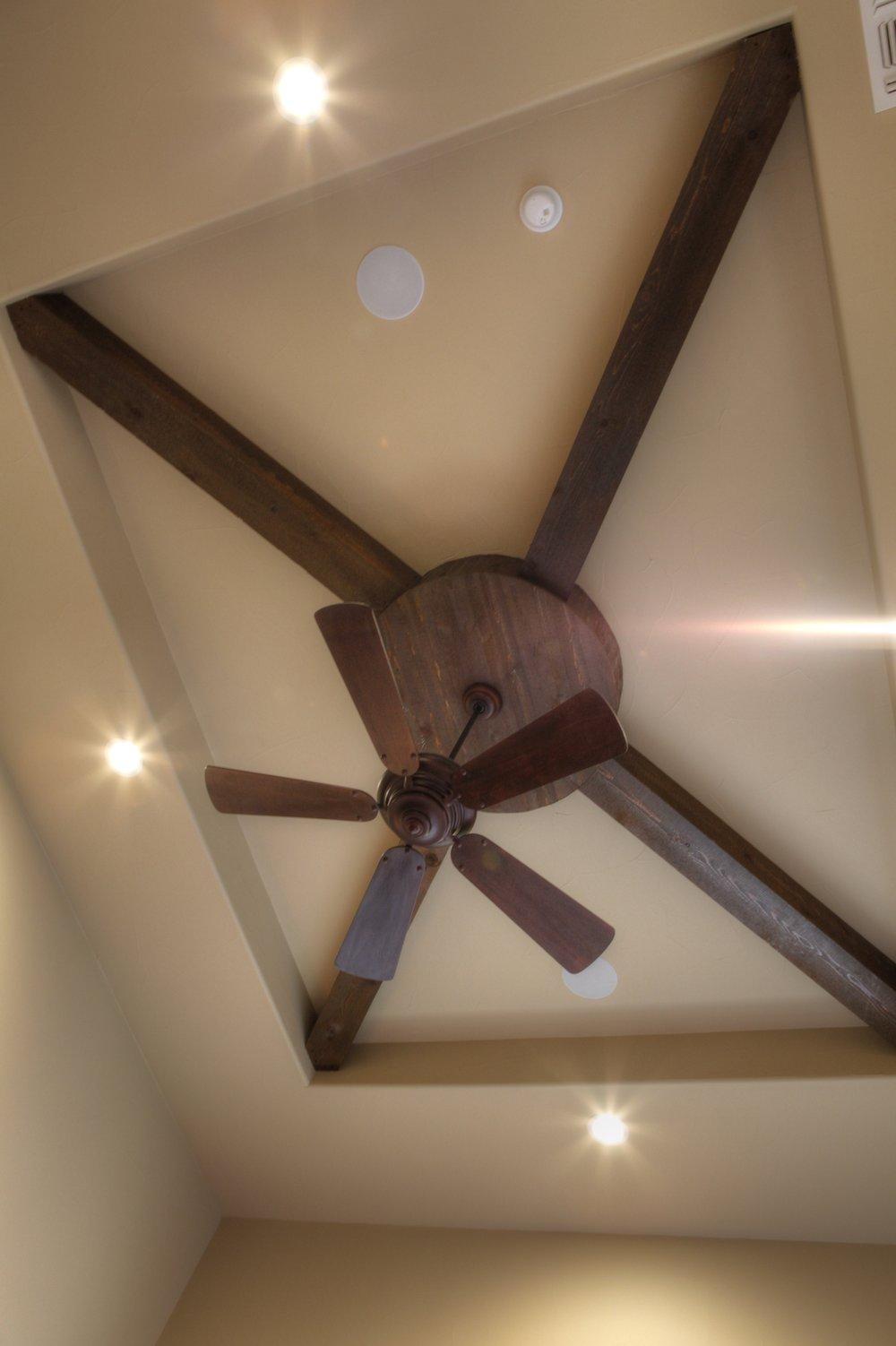 19-MBR - ceiling detail - hdr.jpg