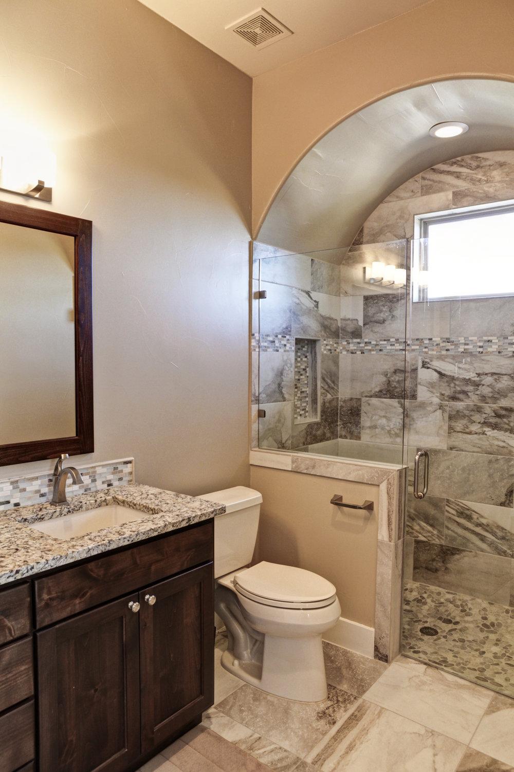 19-house 7 - Guest Bath 1.jpg