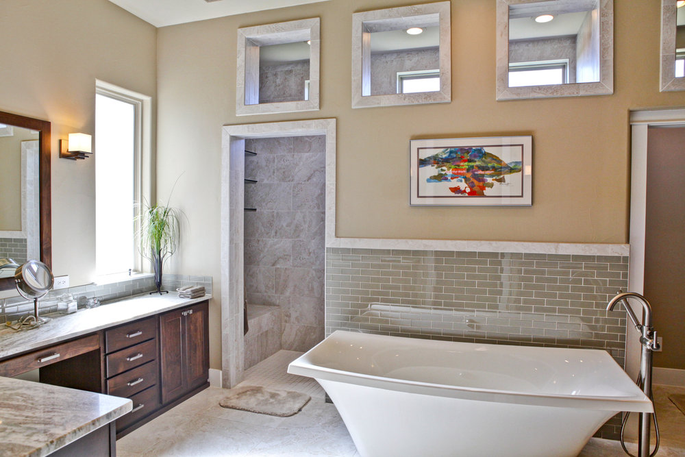 21-house 7 -MBR Bath 1.jpg