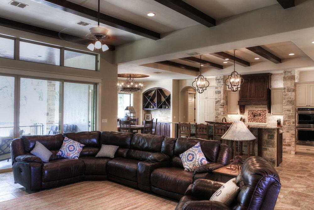 13-living room - 4.jpg