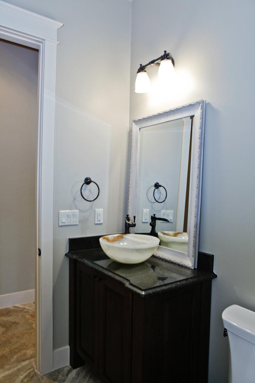 24-guest bath - 1.jpg