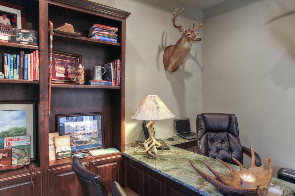 33-office-2.jpg