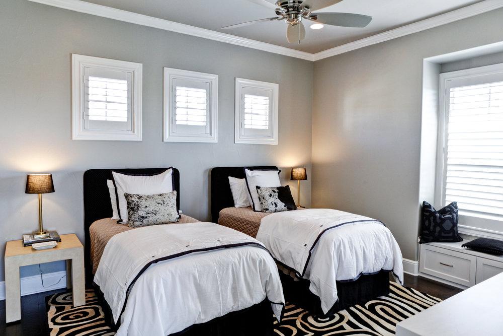 39-guest bedroom.jpg