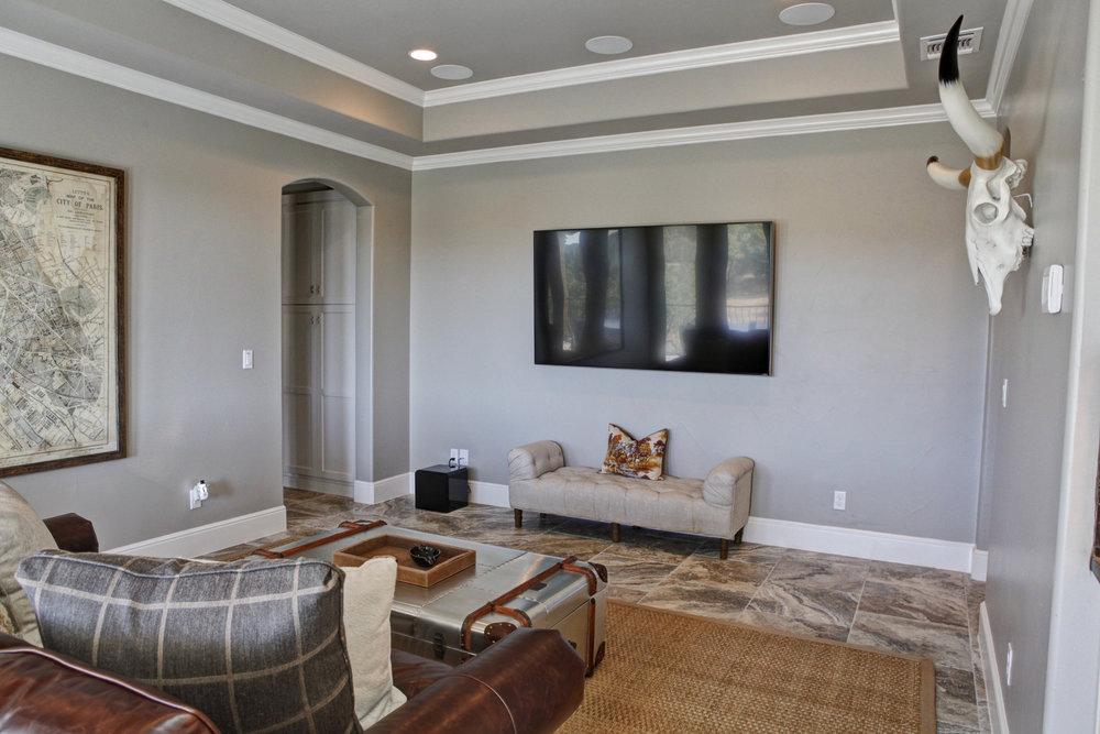 54-living room - down - 1.jpg