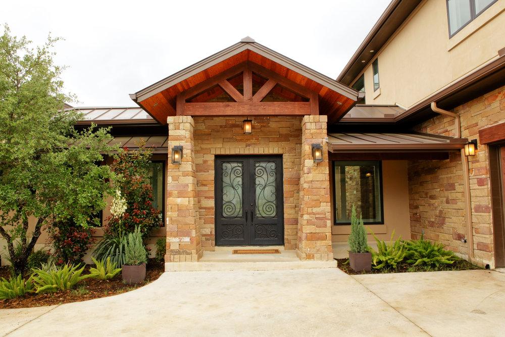 3-Zen Gardens Way - exterior front 2.jpg