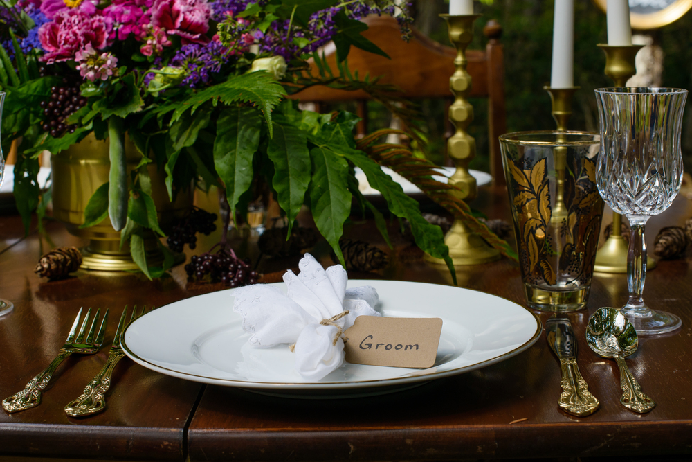 #woodland #placesetting #wedding www.sashataylorweddings.com