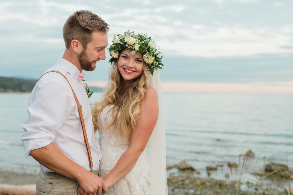 Kendra + Mitchell  Roberts Creek | Jennifer Picard Photography