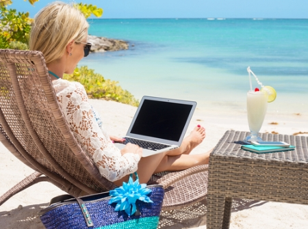 Virtual Assistant working from beach.jpg