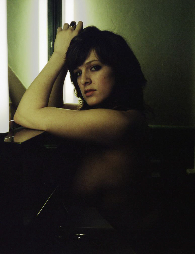 gtrimble-nix-nude-environmental-portrait-20110521-02.jpg