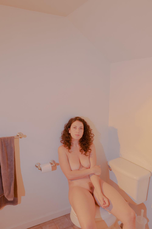 20180904-Hannah-bathroom-yellow-red-X-T2-0054-Edit.jpg