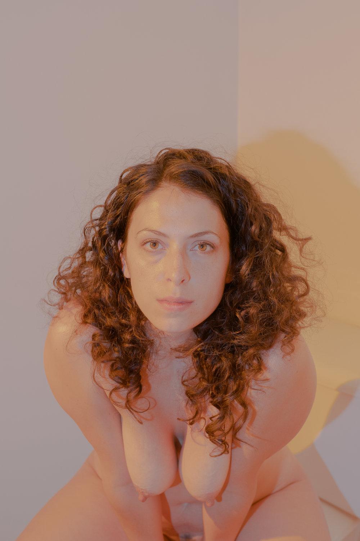20180904-Hannah-bathroom-yellow-red-X-T2-0059-Edit.jpg
