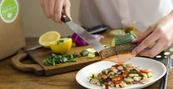 Serving-pan-fried-salmon