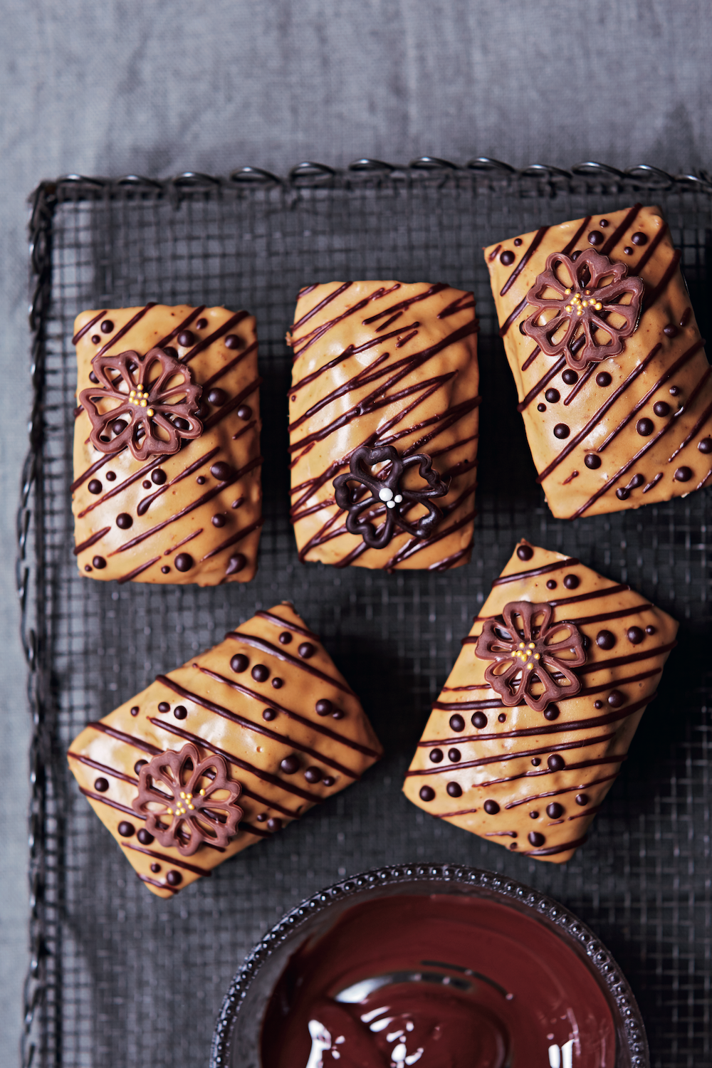 Recipe Coffee Walnut Mini Loaf Cakes The Simple Things