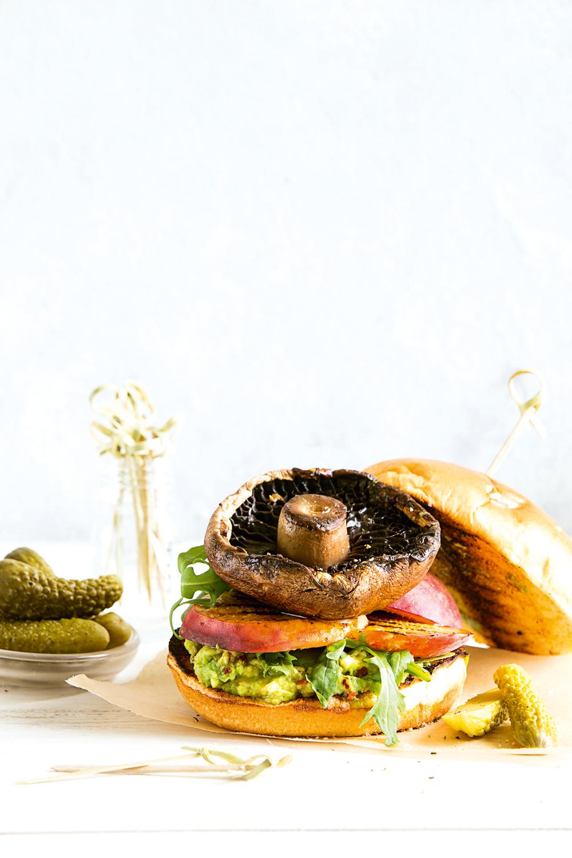 SIM73.GATHERING_Peach & Mushroom Burger.png