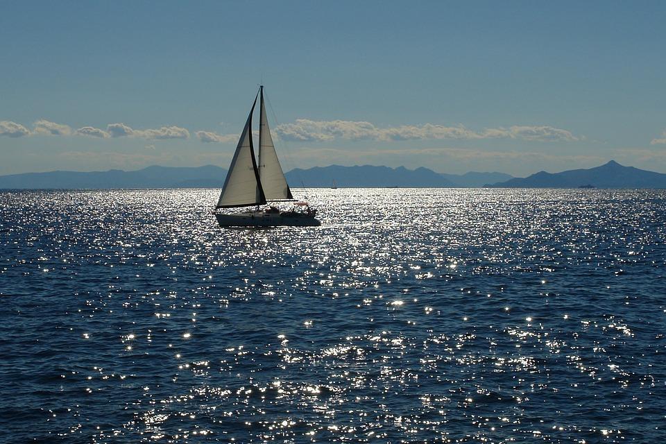 sailing-2407303_960_720.jpg