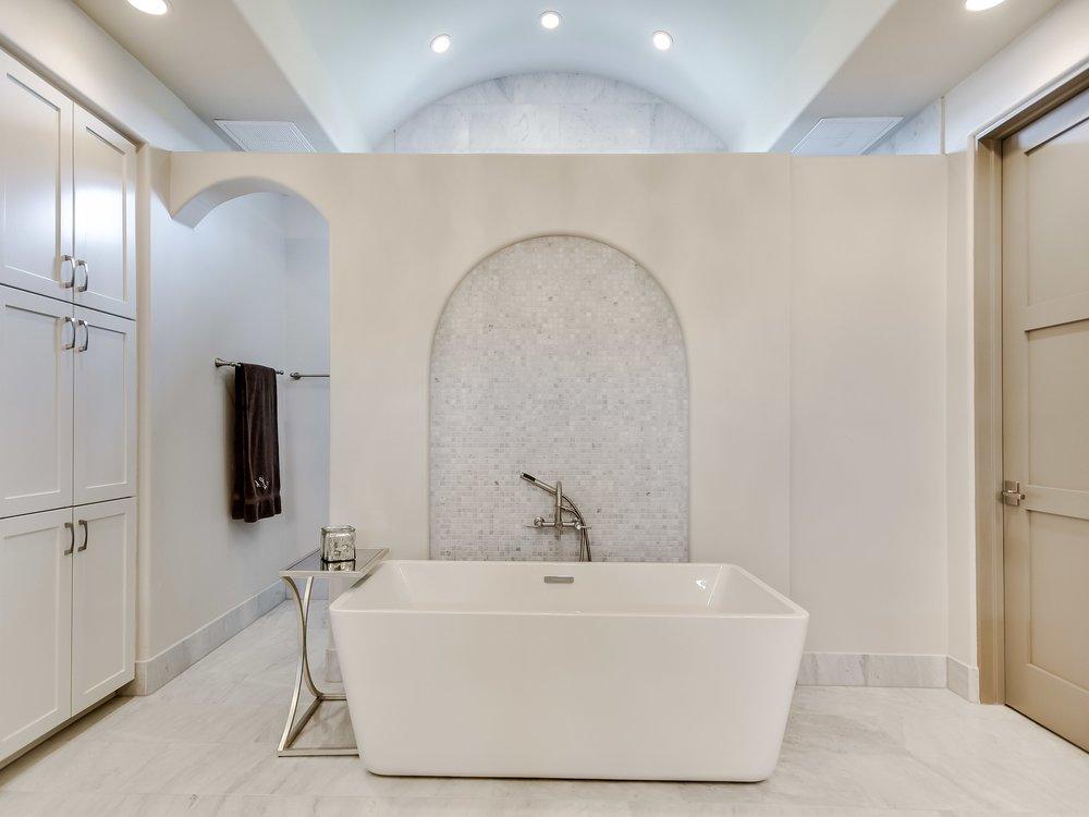 026_Master Bath.jpg