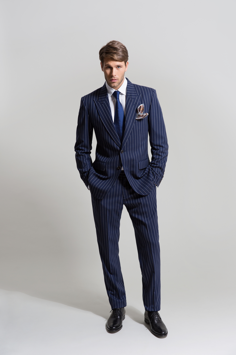 WIDE PIN STRIPE SUIT