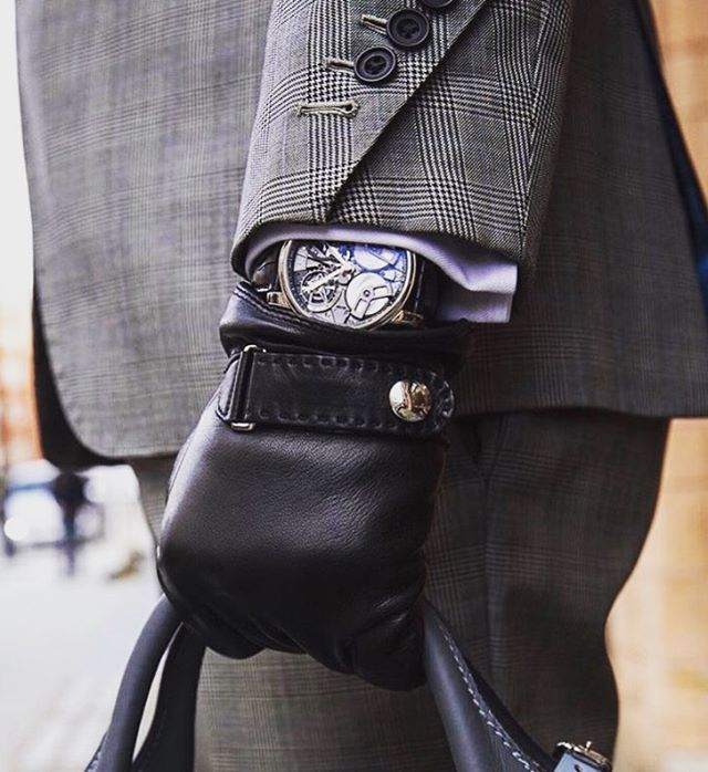 Crafted cuff detail with thanks to @arnoldandson . . . #gandhum #menswear #cuff #luxury #mensfashion #aw #autumnwinter #menstyle #londonfashion #watches #london #classicstyle #classic #suiting #tailoring #mfw #lfwm #esquire #gq #therake #princeofwales #menstyle #craft #style #love #instagood #photooftheday