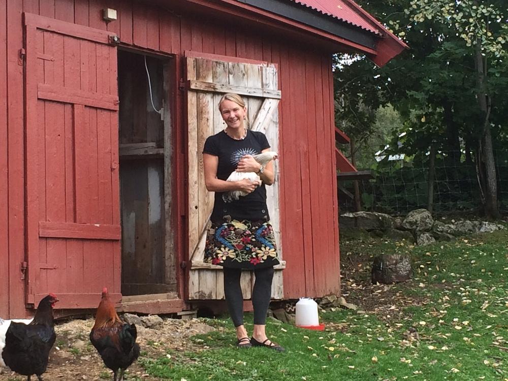 Liza Franke holder kurs i det meste av matlaging i kurslokalene vegg i vegg med hønsehuset på «Lizas småbruk».