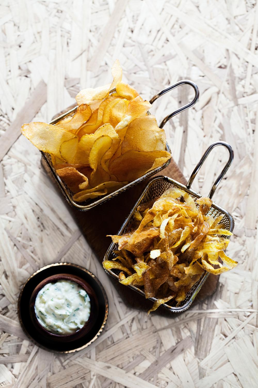 2 slags potetchips med frisk potet dipp