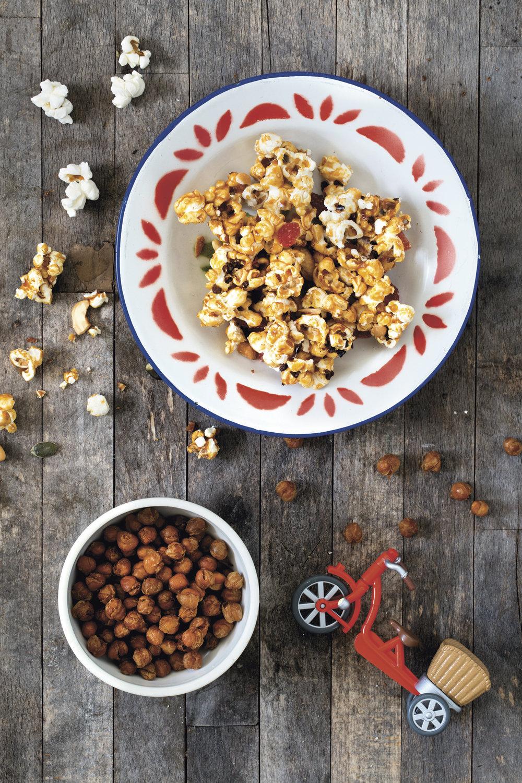 Popcornsnacks og Bakte crunchy kikerter