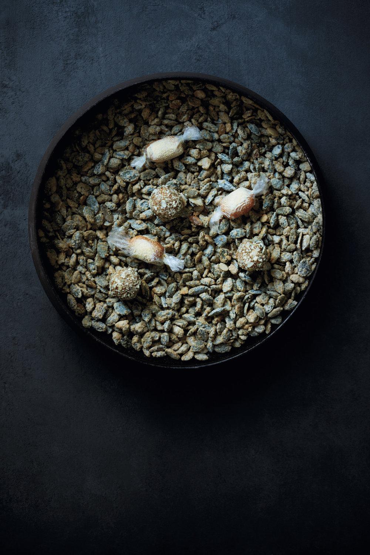 Gresskarkaramell-bonbon og Gresskarpraliner dekket med gresskarkjerner