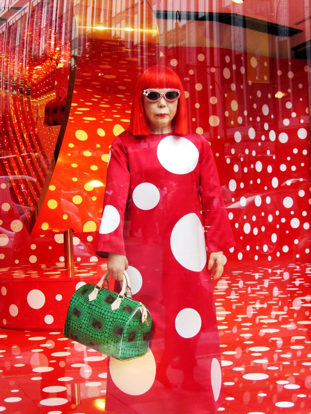 2 Louis Vuitton and Yayoi Kusama's very dotty collaboration 4.jpg