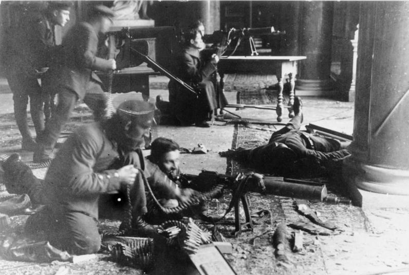 Weimar Berlin 4 Revolution.jpg