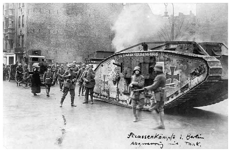 Weimar Berlin 6 Street Fight 1920.jpg