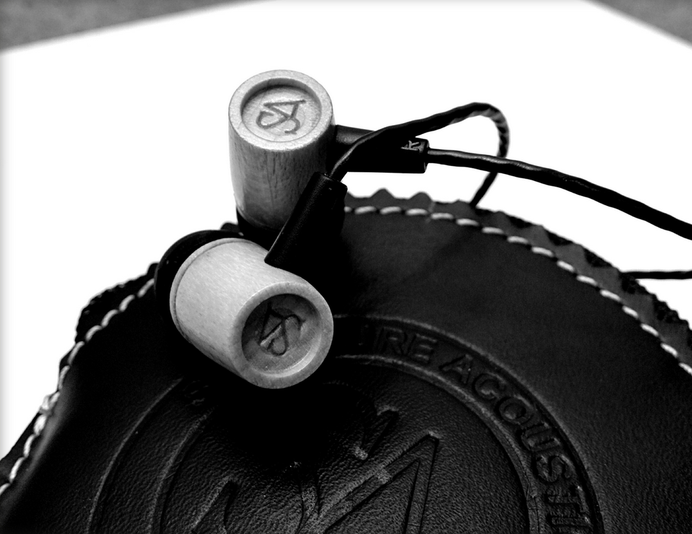 The Signature Acoustics SA12 earphones are one of the first budget audiophile earphones designed and built in India.