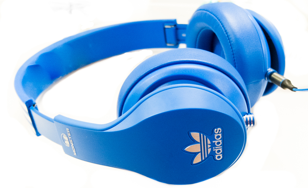 While the Moster Adidas Original Headphones are a cool looking set of headphones we cant help but think this is a step back for lovers of the Original Adidas HD25 on ear headphones.