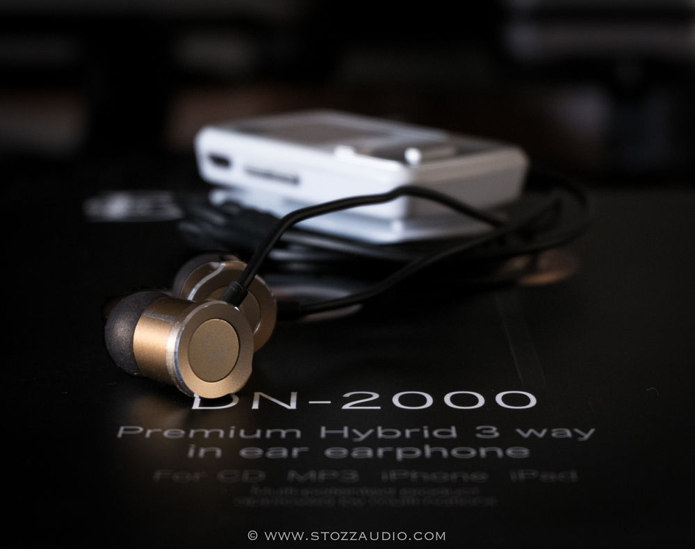 Reviewing the Dunu DN-2000 earphones with the trust Sansa Clip Zip DAP (Digital Audio Player)
