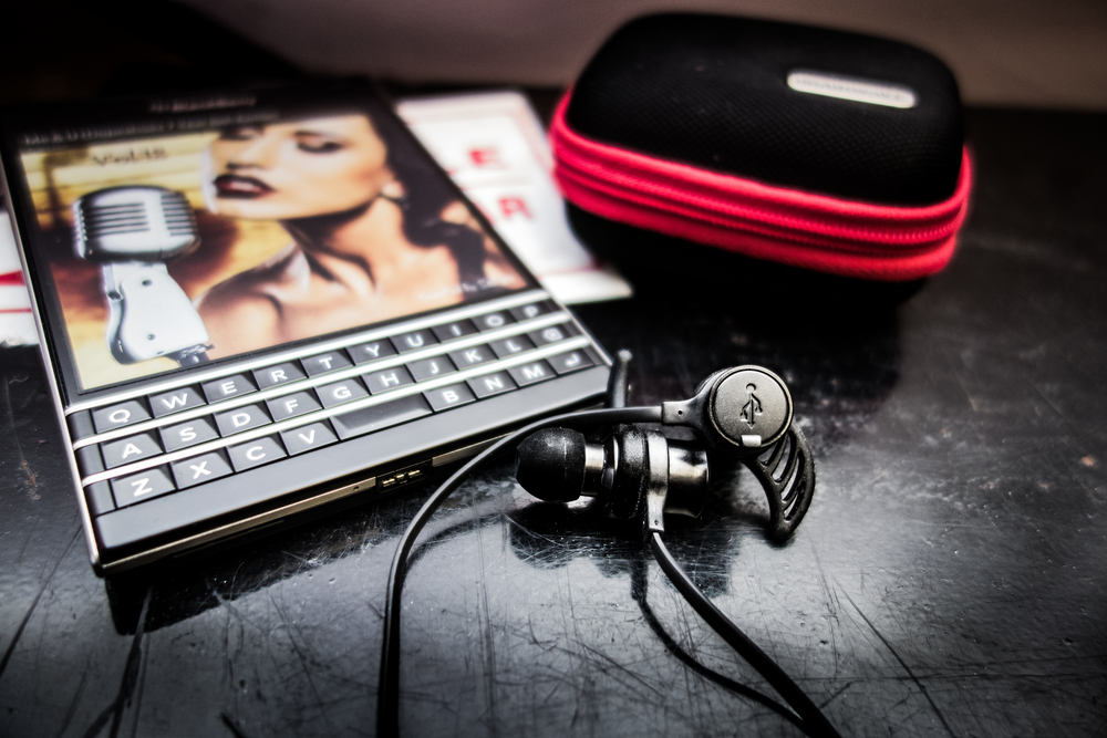 Blackberry Passport paired with the Brainwavz BLU-100