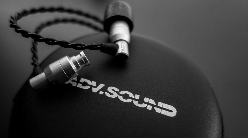 ADV SOUND M4 EARPHONES WITH INCLUDED CASE
