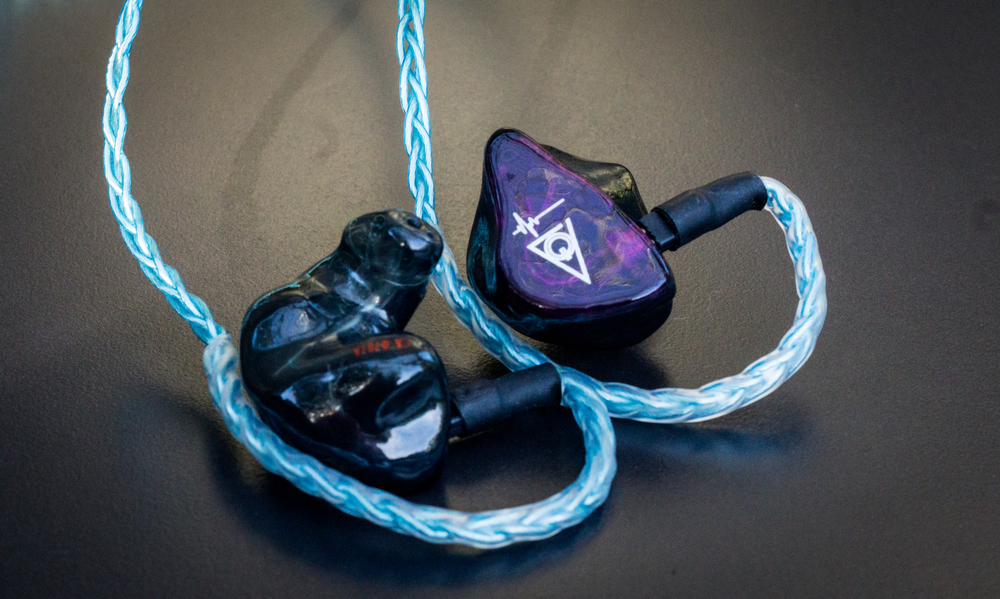 The Custom Art Ei.3 CIEM with the Labkable Blue horizon cable.