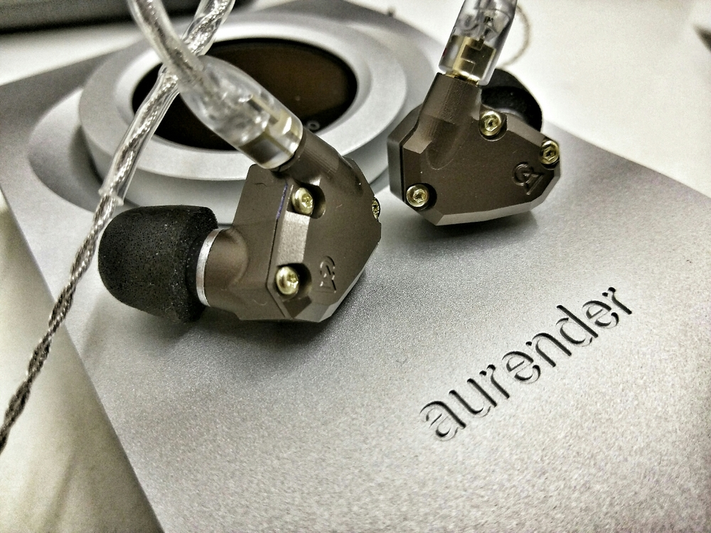 Pairing the Campfire Audio Jupiter with the Aurender Flow Audiophile DAC and Amplifier.